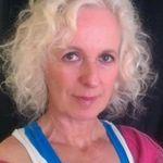 Eva meyer profile image.