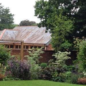 Photo by Jonathon Charles Garden Design